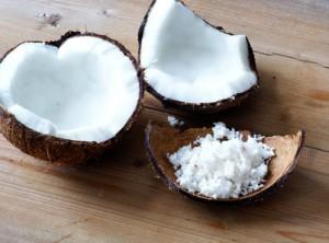 Kokosnuss aus der Kokosnussöl produziert wird